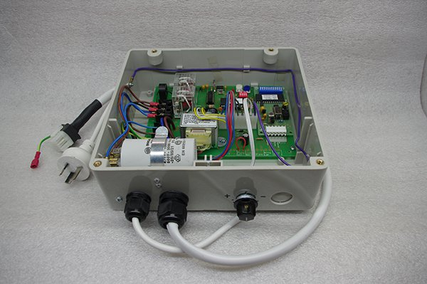 CR 28 Control Module with Radio Receiver Image